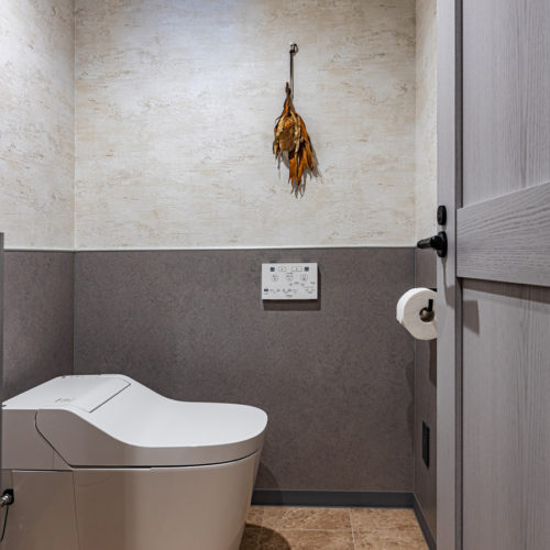 トイレなどの水回りも、快適にご利用いただけるよう工夫を凝らしております。